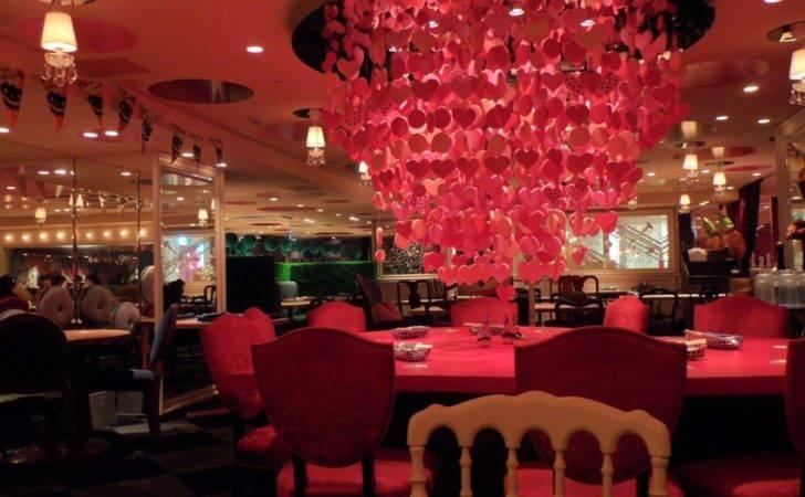 Alice Wonderland Restaurant Makes Fantasy Come Life Favbulous