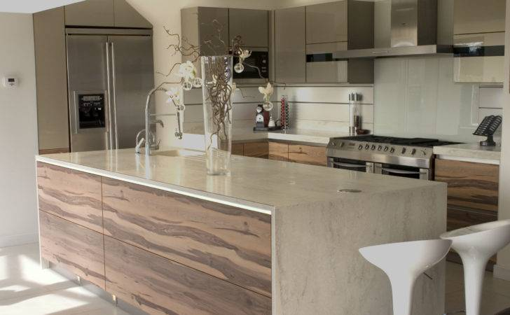 Amazing Countertop Modern Kitchen White Bar Stools