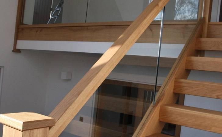 American Oak Open Riser Staircase Glass Balustrade