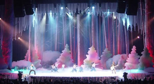 Angela Yee Christmas Eve Stage Design
