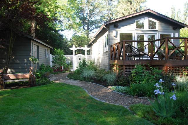Backyard Retreat Traditional Landscape