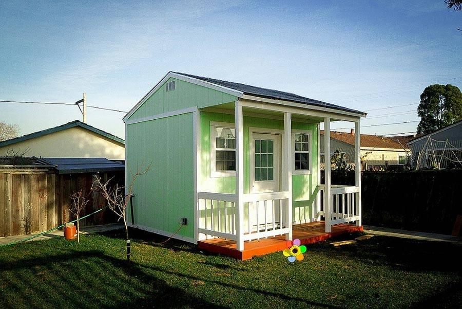 Backyard Tiny House Swoon