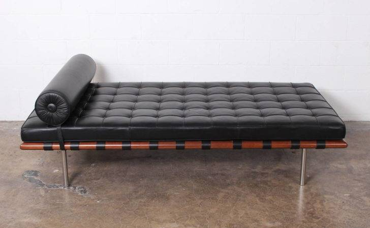 Barcelona Daybed Mies Van Der Rohe Knoll Stdibs