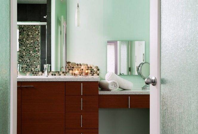 Bathroom Doors Featuring Rain Glass Decoist