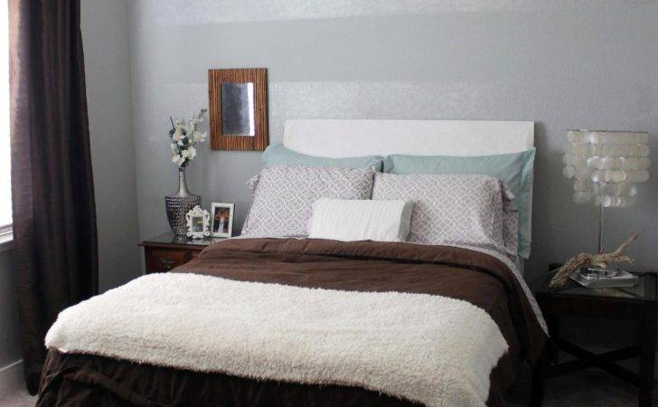 Bedroom Cozy Twin Bed Fascinating Accent Wall