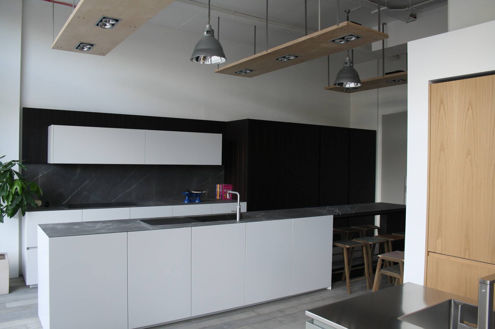 Bespoke Advice Hub Kitchens London Showroom Kitchen Sourcebook