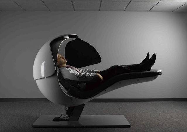 Bizarre Energy Pod Keeps Googlers Refreshed