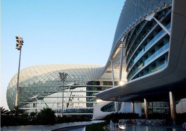 Blanket Structural Steel Supports Monocoque Glass Panels