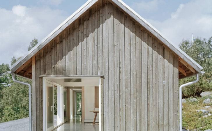 Boczna Elewacja Naturalne Jasne Drewno Dwuspadowy Dach Okno