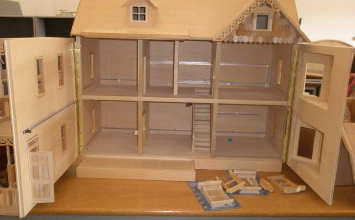 Build Doll House Roof Together Dollhouse Bookcase Plans