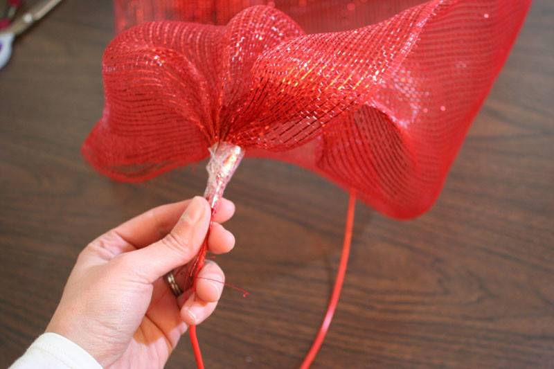 Bunched Ribbon Again Inches First Place