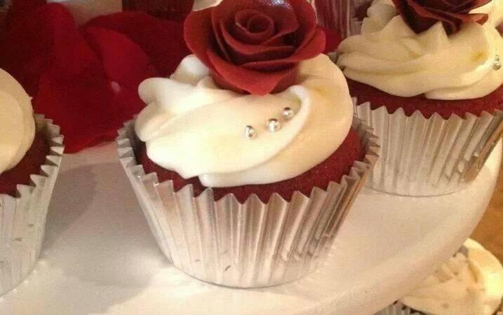 Burgundy Silver Wedding Cupcakes Becupcakemaker