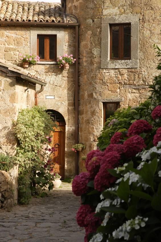Buying Apartments Tuscany Umbria Lazio Abruzzo