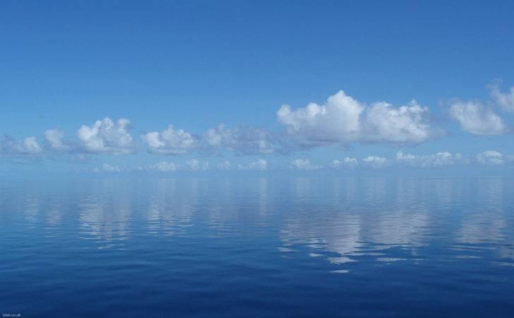 Calming Reflections Iskin