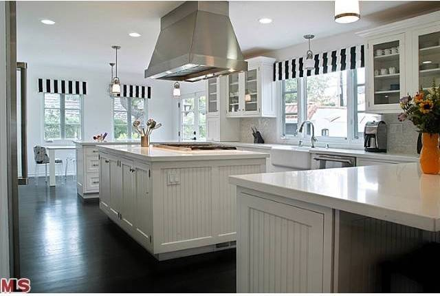 Cape Cod Style Kitchen Traditional Los Angeles