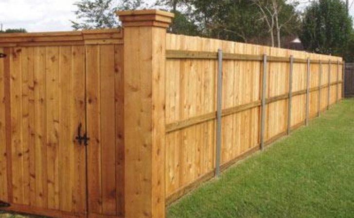 Cedar Fences Fence Has Large Corner
