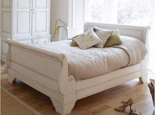 Chalk Painted Bed Crafty Bird Blog