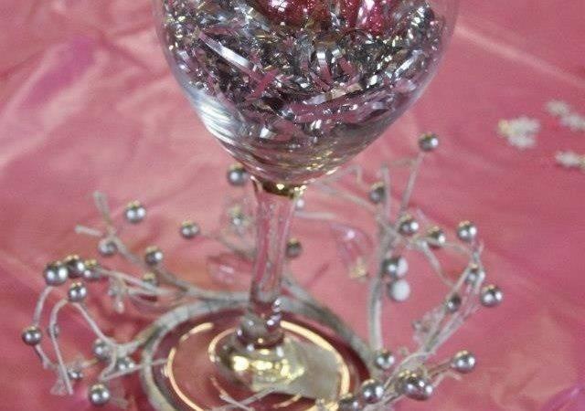 Cheap Cute Centerpiece Dollar Store Wine Glass Foil Shreds