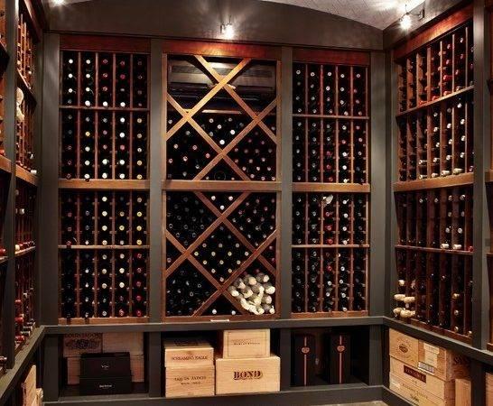 Chic Traditional Wine Cellar Room Design Interior Wooden
