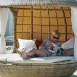 Cocoon Daybed Allows Relax Chic Contemporary Style Create