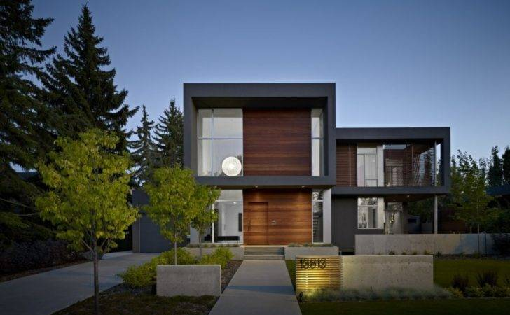Contemporary House Displaying Neat Interior Summit