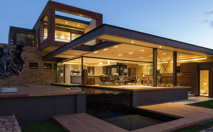 Contemporary Mansion South Africa Blends Luxury