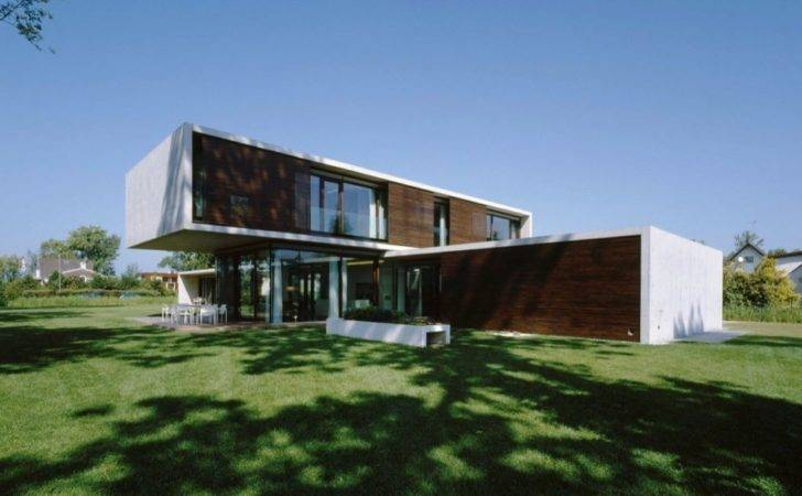 Contemporary Modern House Characteristics