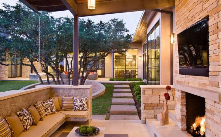 Contemporary Outdoor Living Room Design