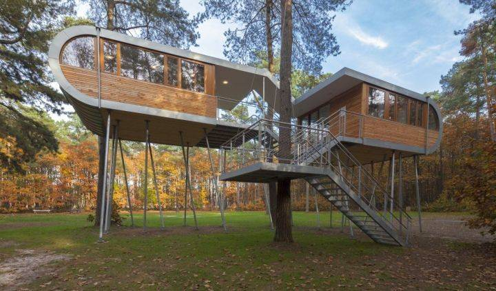 Contemporary Treehouse Stilts