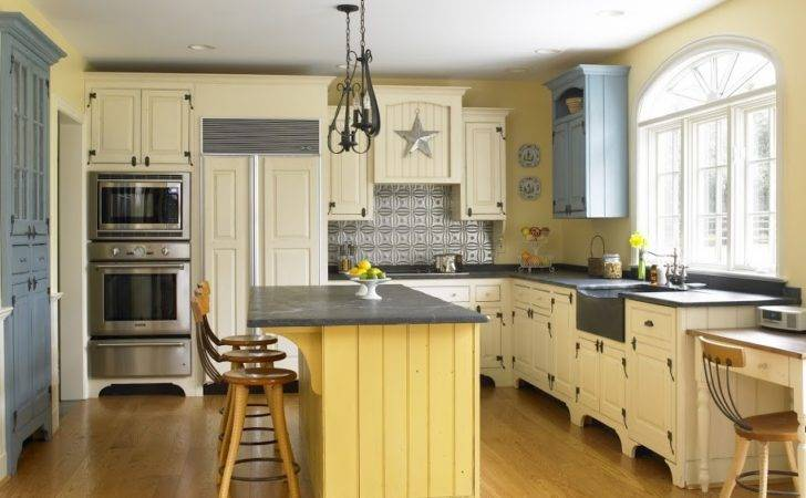 Country Kitchen Timeless Design Replaces Dated