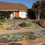 Course Xeriscaping Doesn Have Confined Gravel