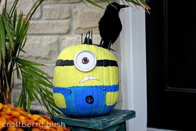 Craftberry Bush Painted Pumpkins Minions Love Face Crow