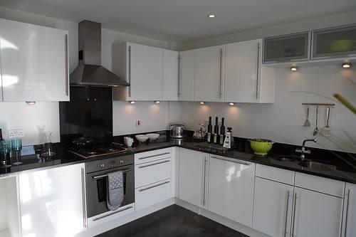 Cream White Gloss Kitchen Worktops