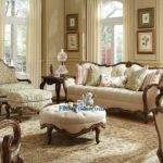 Create Victorian Living Room Design