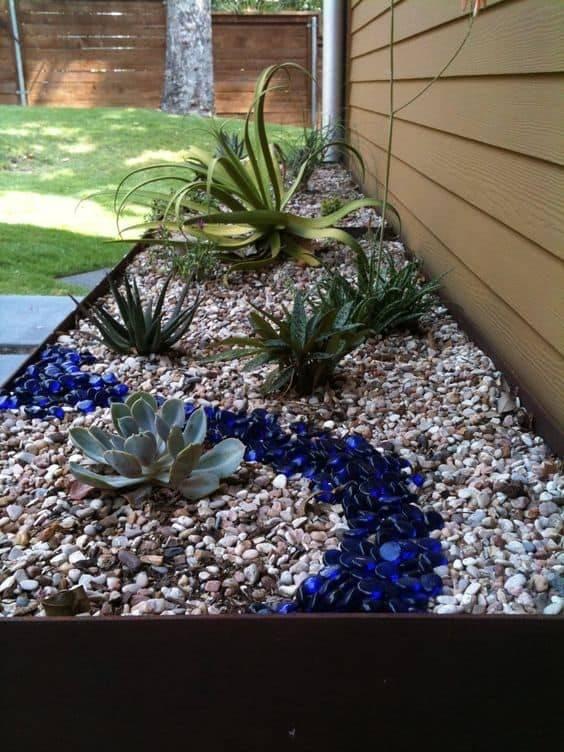 Creative Garden Edging Ideas Set Your Apart