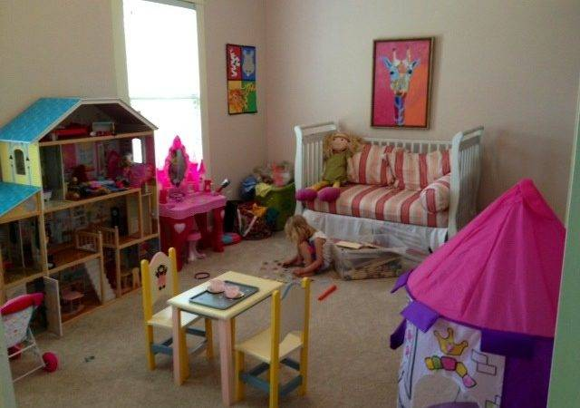 Crib Converted Into Daybed Priss Playroom