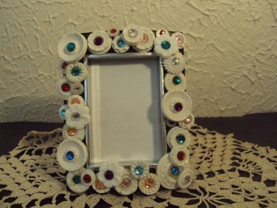 Cute Button Frame Handcrafted Vintage