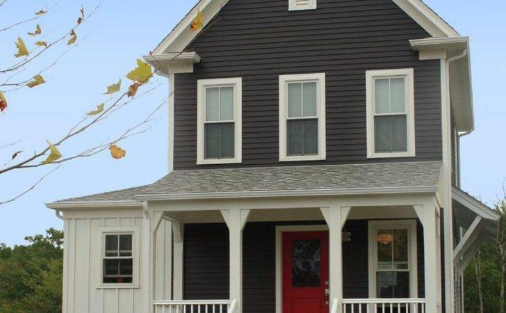 Delorme Designs Favourite Reds Red Door