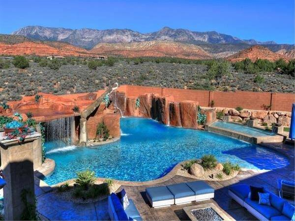 Ders Stunning Luxury Swimming Pool Constructed