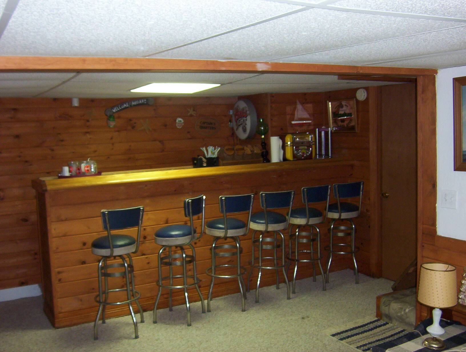 Desano Cottage Basement Bar