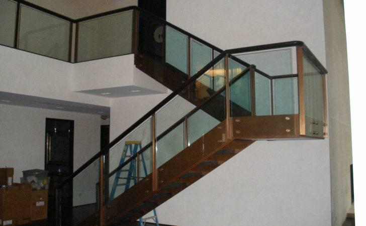 Design Glass Staircase Railing