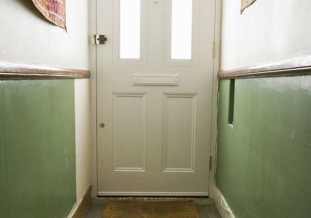 Design Hallway Around Rug Jupiterimages Goodshoot Getty
