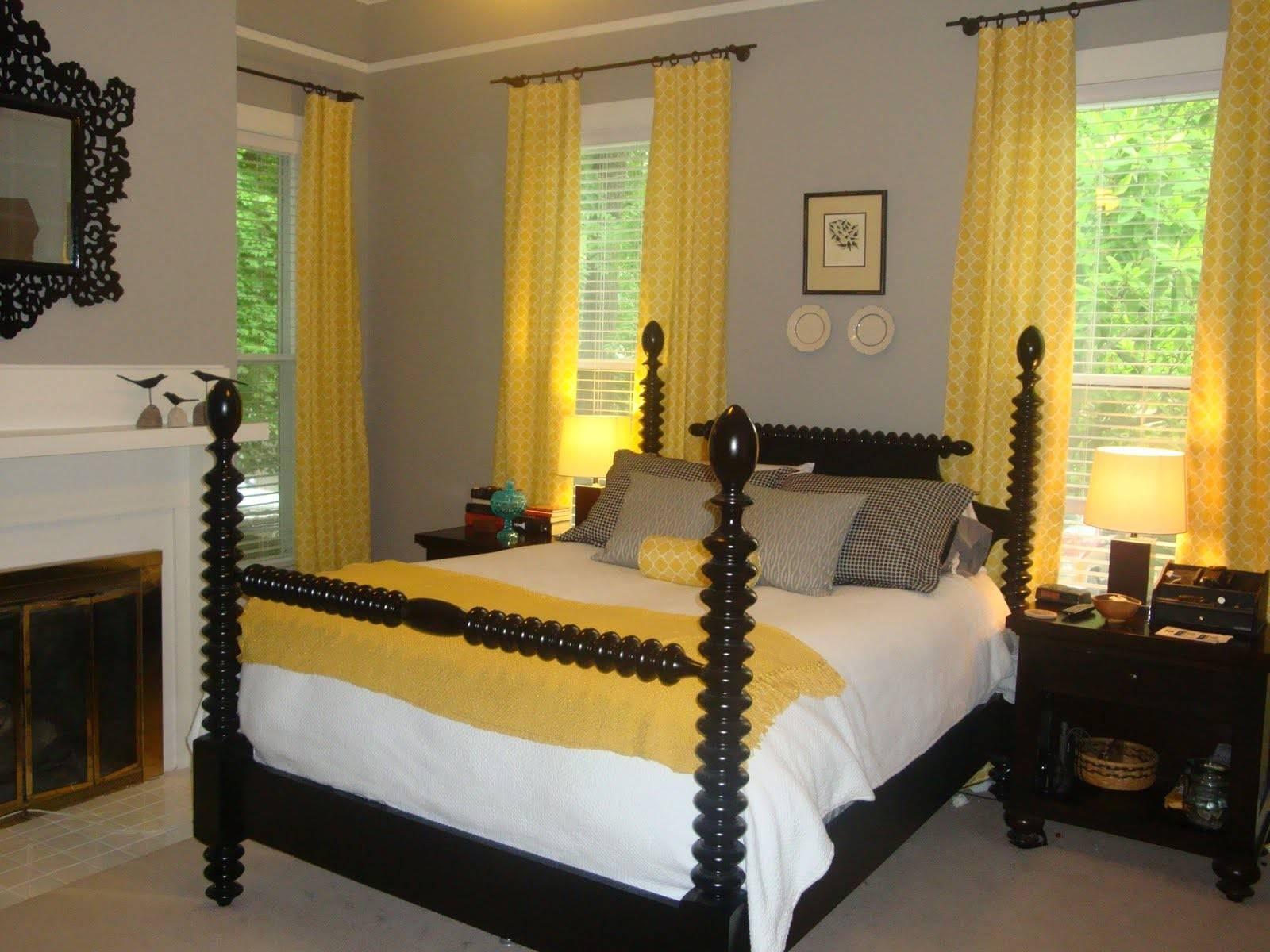 Designinsider Hot Cool Master Bedroom
