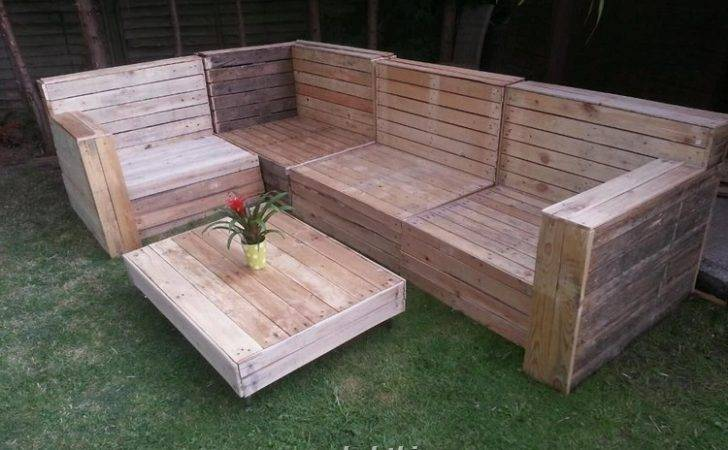 Designs Wood Pallet Furniture Which Can Place Your Patio