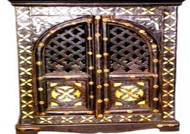 Designs Wooden Almirah