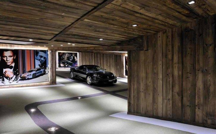 Divani Owner Creator Decoholic Interior Design