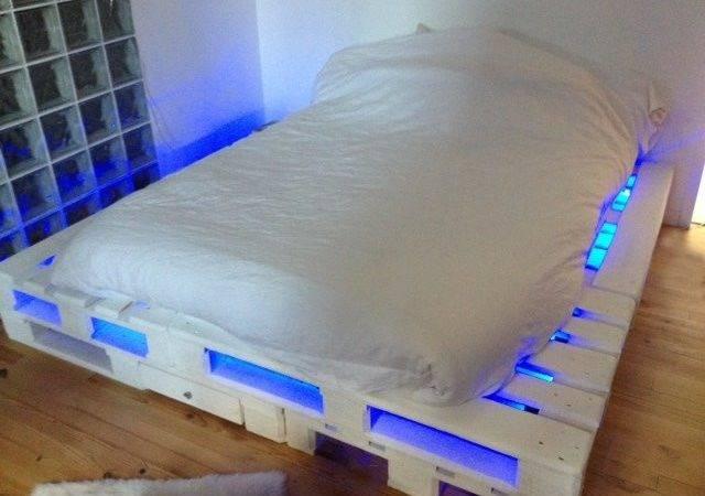 Diy Lighted Pallet Bed Frame Pin Pinterest