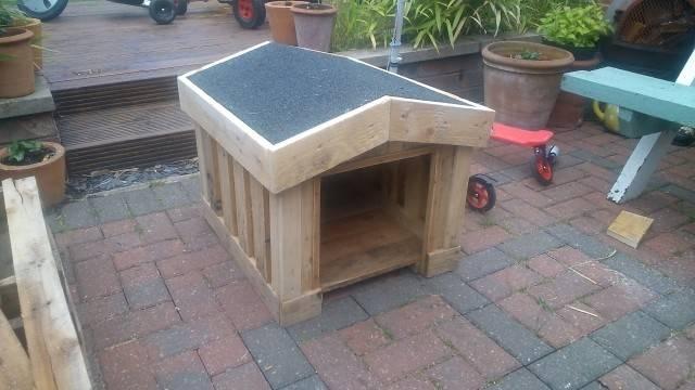 Diy Pallet Outdoor Dog House Photograph Build