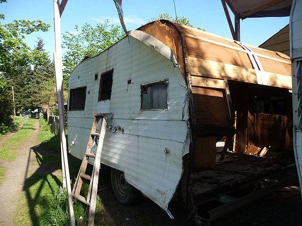 Diy Recycling Old Trailers Tiny House Treasures Alternative