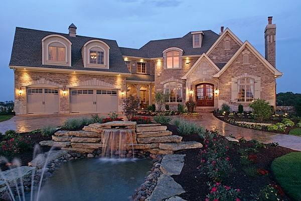 Dream House Fountain Front Yard